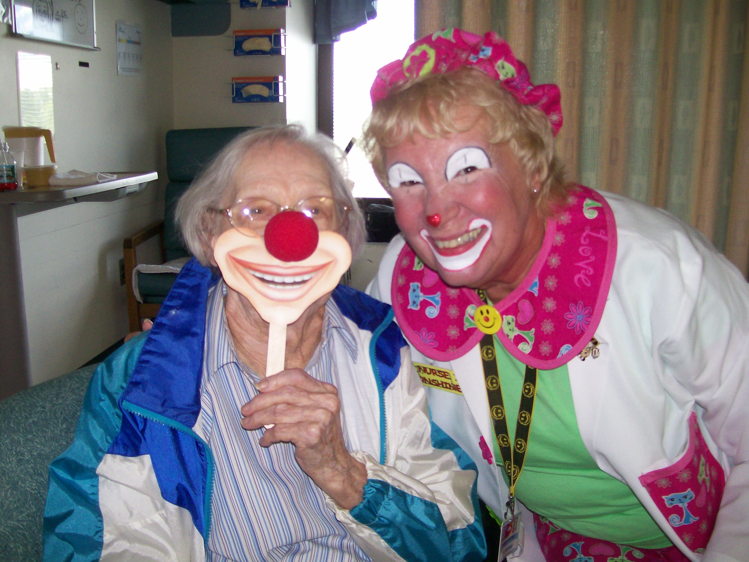 Clowns on Rounds - Humor Therapy